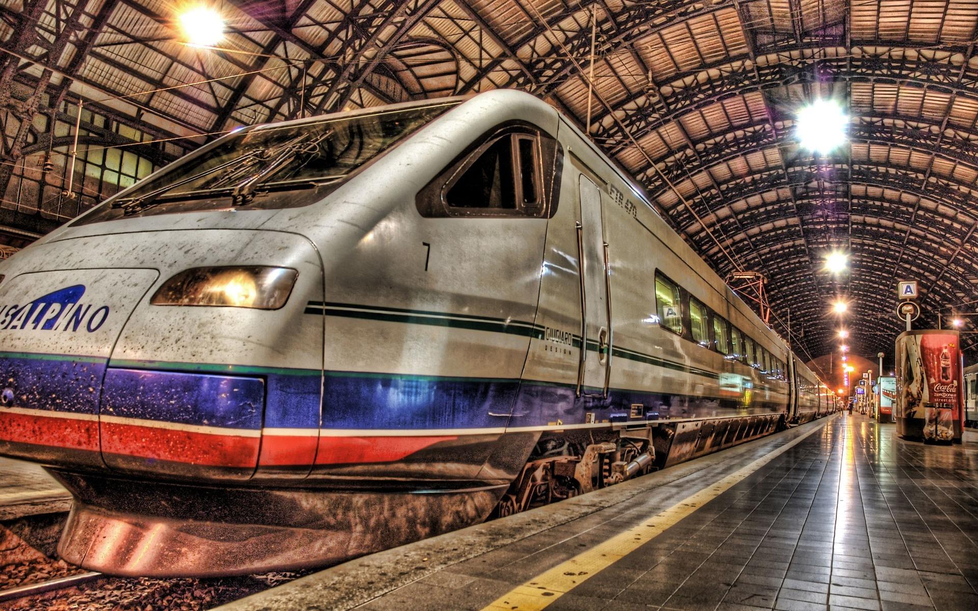 выбор картинки в большом разрешении пассажирских поездов какая